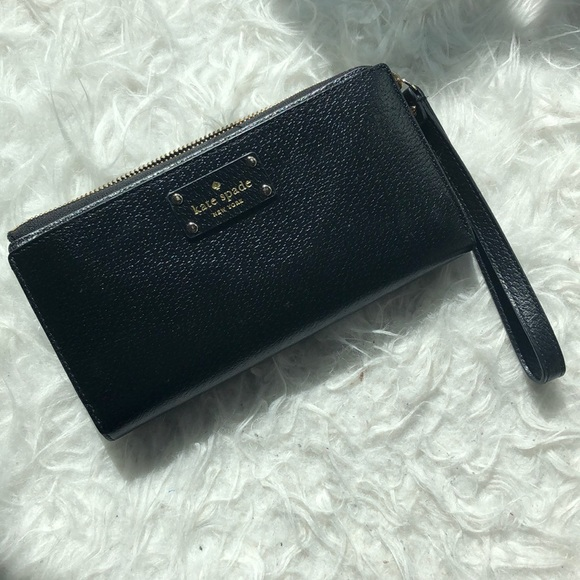 KATE SPADE WRISTLET with wallet compartments
